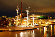 Suomen Joutsen at night 2005