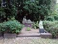 Tēlnieka J.Brieža kaps.JPG
