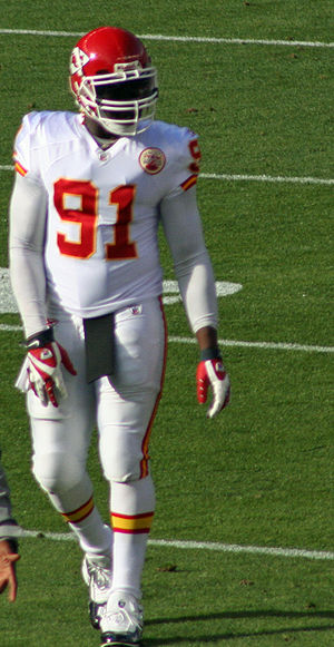 English: Tamba Hali, a player on the Kansas Ci...