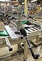 Td-steering Wikipedia Montage eines Stahlgehäuses für Lenkgetriebe.jpg