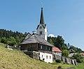Techelsberg St Martin 3 Kaplanei und Pfarrkirche hl Martin 22082015 6856.jpg