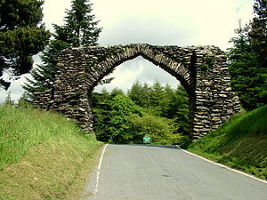 B4574 road - The arch at Hafod Uchtryd in 2005