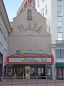 https://upload.wikimedia.org/wikipedia/commons/thumb/c/ce/The_Plaza_Theatre.JPG/220px-The_Plaza_Theatre.JPG