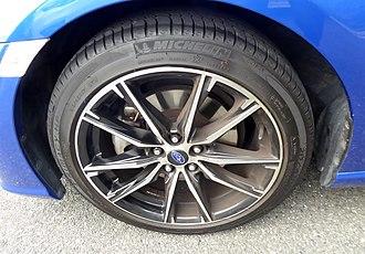 Wheel sizing - The tire wheel of Subaru BRZ S (DBA-ZC6) with optional parts
