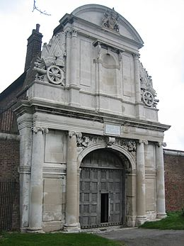 Tilbury fort water gate.jpg