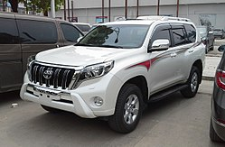 Toyota Land Cruiser Prado J150 facelift China 2015-04-10.jpg