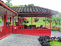 Traditional country side home JARDIN.jpg