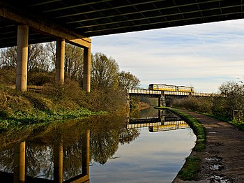 English: Train crossing the Canal Southport to...