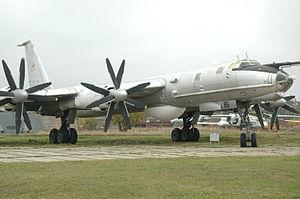 Tu-142MZ Kyiv 2009.jpg