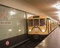 U-Bahn Berlin Baureihe D Sonderfahrt 70 Jahre U8.JPG