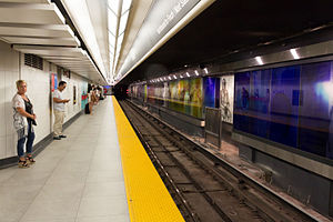 Line 1 Yonge–University - Image: Union Station Eastbound Platform