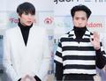 VIXX LR 2016 Gaon Chart K-pop Awards red carpet.png