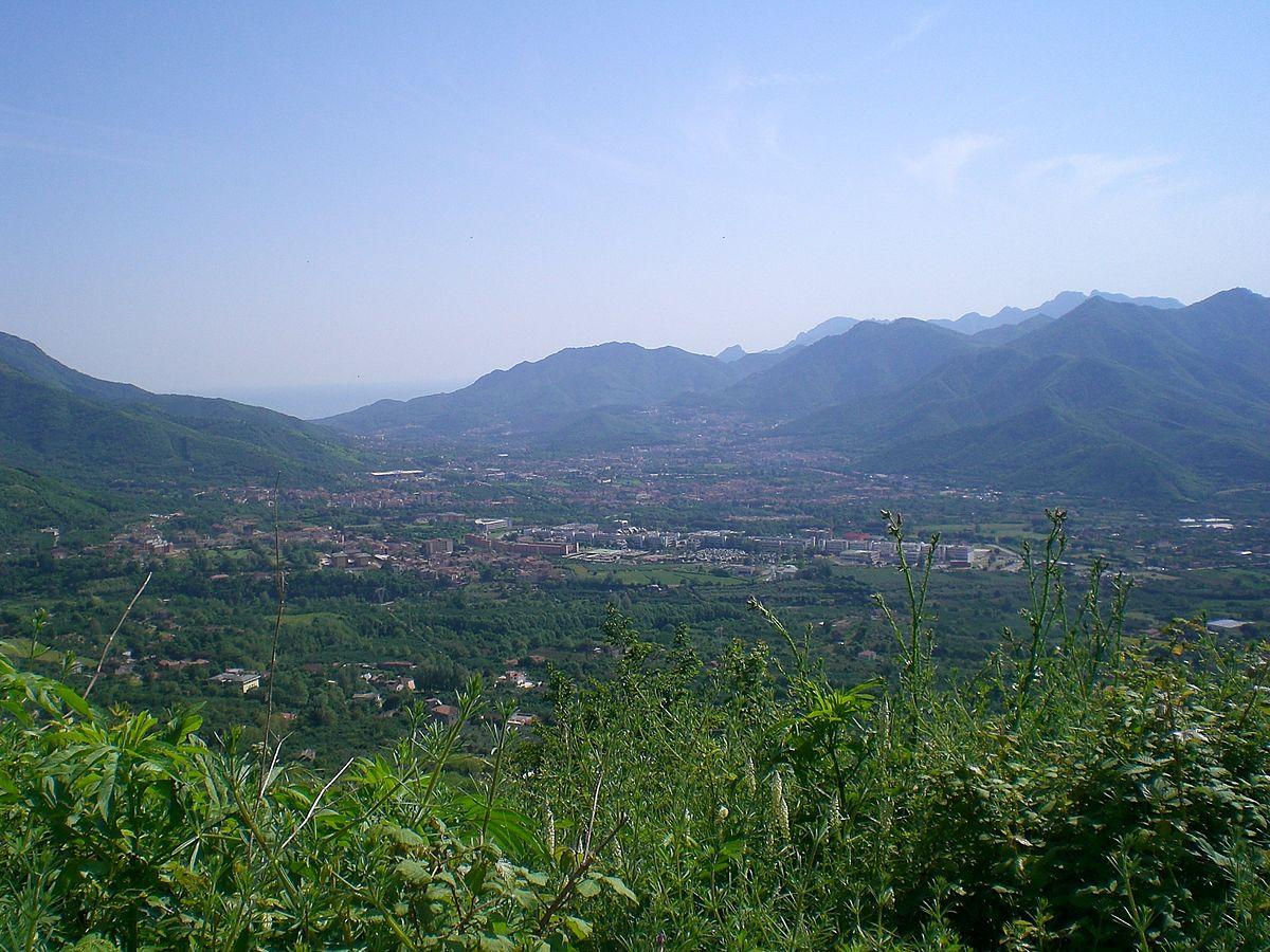 Valle dell 39 irno wikipedia for Mercato prato della valle