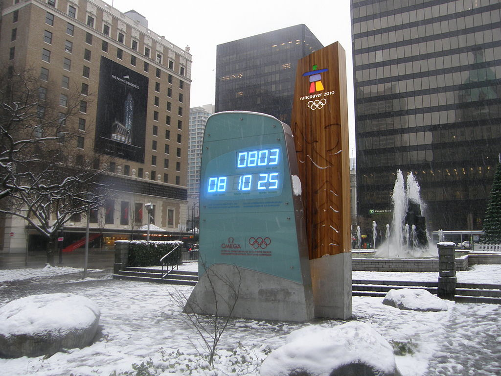 Olympic Ground - Olympic countdown clock in Vancouver, Canada [bron: wikimedia.org]