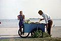 Vendeurs de maïs grillé.jpg