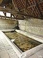 Veslud (Aisne) lavoir du centre, intérieur.JPG