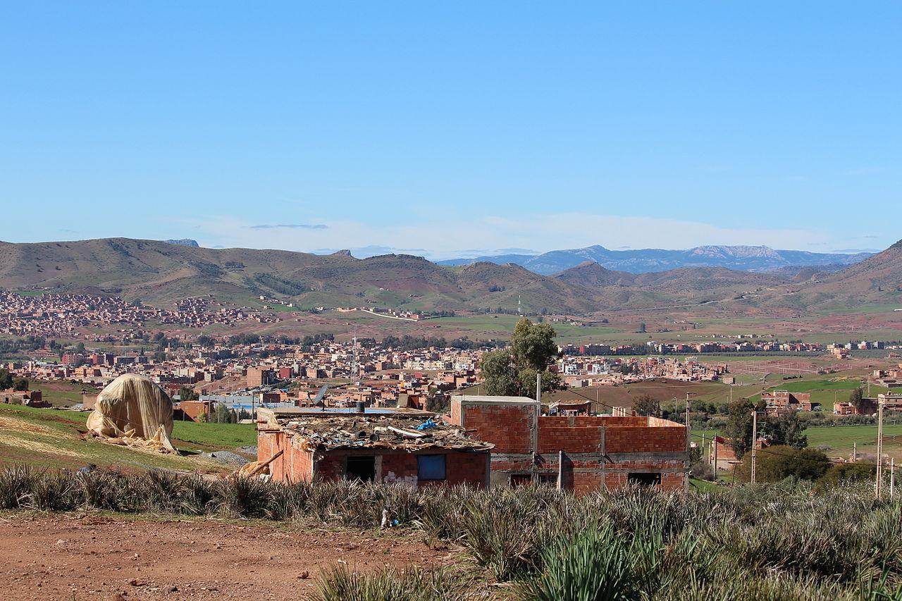 File:Ville de KHENIFRA Maroc.JPG - Wikimedia Commons