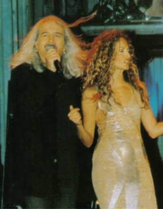 Anna Vissi - Vissi and Karvelas performing at Asteria in 1998.