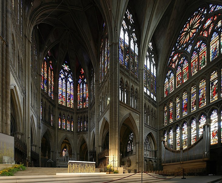 Part of the stained glass windows of the Cathedral Saint-Étienne of Metz. On the left part of the picture, the chior, and on the right side, the right part of the transept. The cathedral of Metz has the largest surface of stained glasses and the third highest nave in France. This picture is a 2x3 pictures panorama, made with Hugin and very slightly corrected with Gimp.