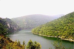 Vrbas (river) - Image: Vrbas gestaut