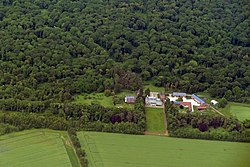 Vue aérienne du château de la Borde, Sains-Morainvillers.JPG