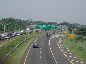 New York State Route 440 - The West Shore Expressway northbound as seen from Meredith Avenue