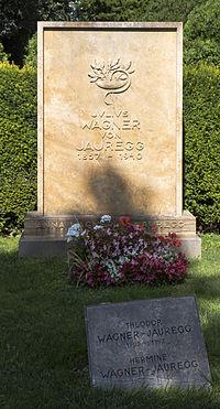 Wien 11 Zentralfriedhof Grab Wagner-Jauregg a.jpg