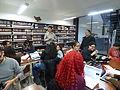 Wikipedistas trabajando en el Editatón 'Wikipedia ama el cine' 17.JPG