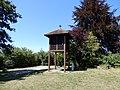 Windhausen, Berggarten mit Glockenturm.jpg