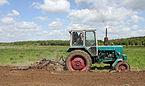 YuMZ-6KL tractor 2011 G3.jpg