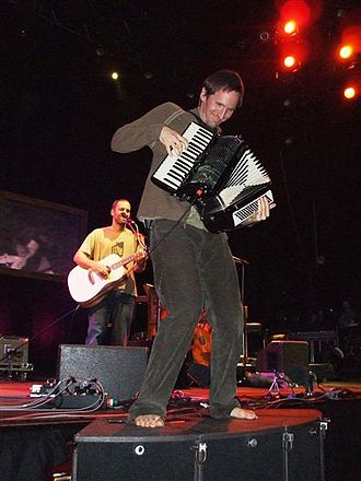 Zach Gill - Zach Gill performing with Jack Johnson in Christchurch, 2008