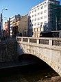 Zenklova, betonový most přes Rokytku a palác Svět.jpg