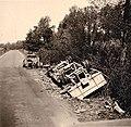 Zerstörte Fahrzeuge in Frankreich 1940.jpg