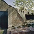 Zware steunbeer tegen de fruitmuur (naast de garage) - Oudeschoot - 20405950 - RCE.jpg