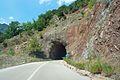 Είσοδος ενός από τα πέντε τούνελ που κατασκεύασε η ΔΕΗ στην Ε.Ο. Άρτας - Καρδίτσας στην περιοχή του φράγματος Συκιάς - panoramio.jpg