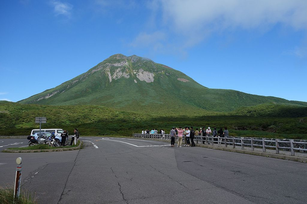 知床峠から羅臼岳 20120906 - panoramio