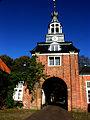 05 Eingangsportal Lütetsburg (bei Hage, Ostfriesland).jpg