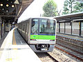 10-349, Train from Shinjuku line of Tokyo Metropolitan Bureau of Transportation, at Rokakoen Station.jpg