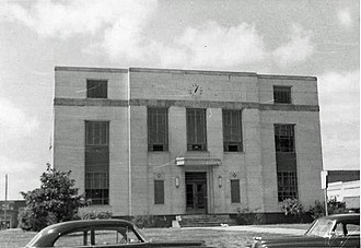 Emanuel County Courthouse - The courthouse in 1951