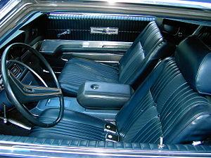 Ford Thunderbird (fifth generation) - 1969 Ford Thunderbird interior