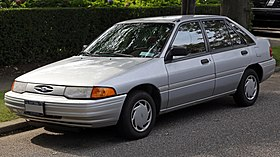 1993 Ford Escort LX 5-dr front left.jpg