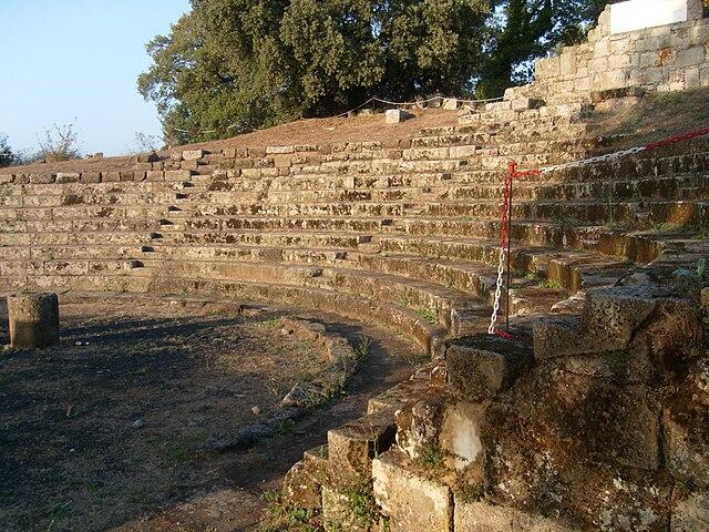 Развалины античного театра в Тускуле