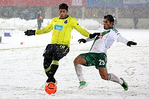 Hulk (footballer) - Hulk fighting for the ball in Porto's Europa League match against Rapid Wien in 2010