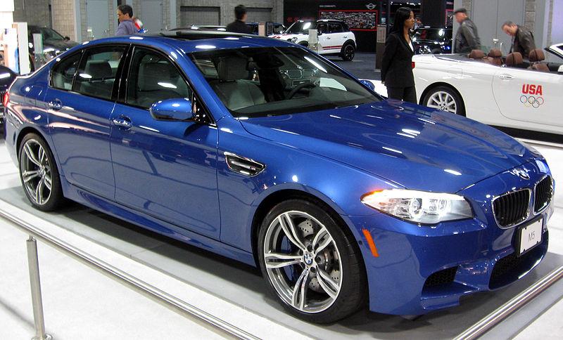 800px-2012_BMW_M5_--_2012_DC.JPG