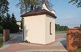 2014 Bazylika w Chorzelowie, cmentarz 06.JPG
