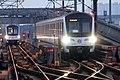 201703118号线列车正在开出沈杜公路折返线.jpg