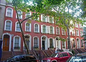 Houses at 208–218 East 78th Street - North elevation, 2008. 208 East 78th is at right of image.