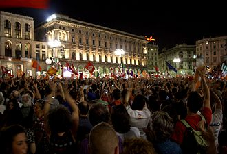 Giuliano Pisapia - Piazza del Duomo: supporters of Pisapia celebrating his election on 30 May 2011.
