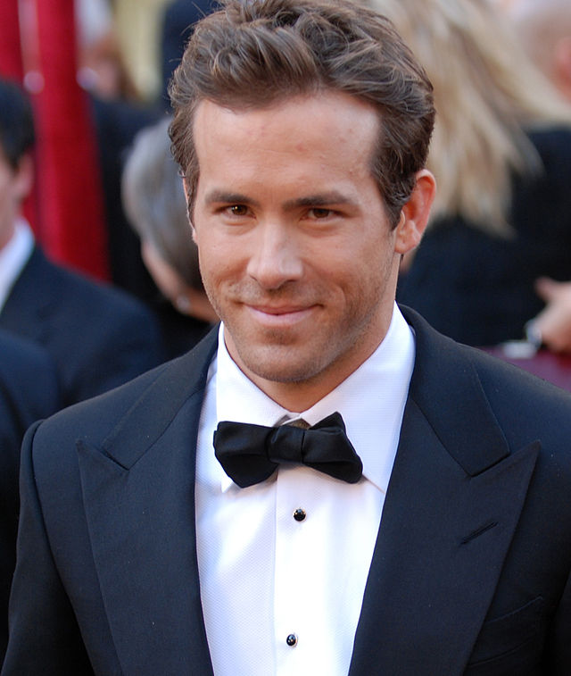 82nd Academy Awards, Ryan Reynolds - army mil-66450-2010-03-09-180346b