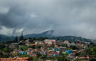 Coonoor - Image: A Foggy And Cloudy Day In Coonoor